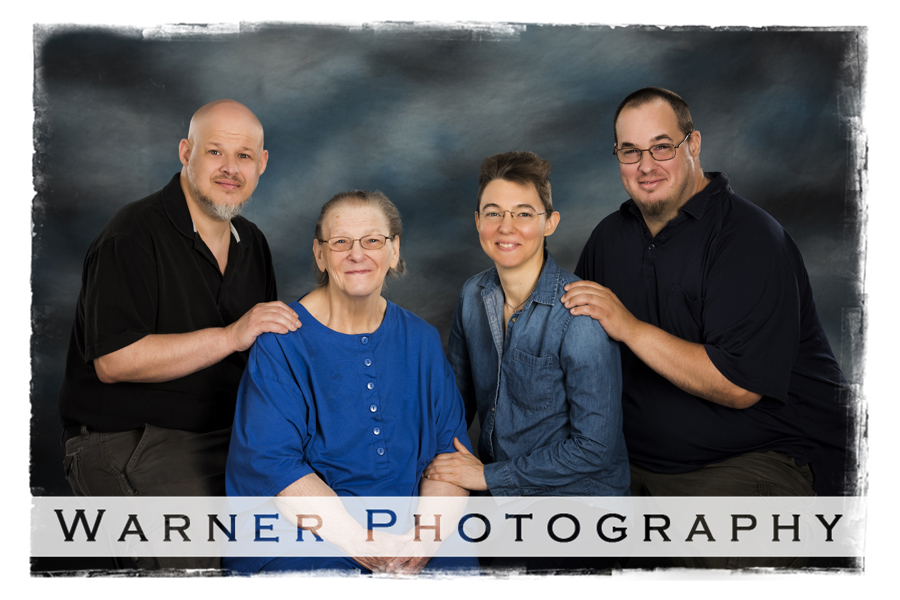 Mueller Family photo by Warner Photography in Midland Michigan